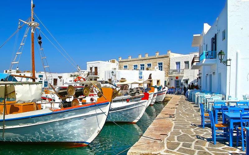 Paros_Hellas_shutterstock_82653028_result
