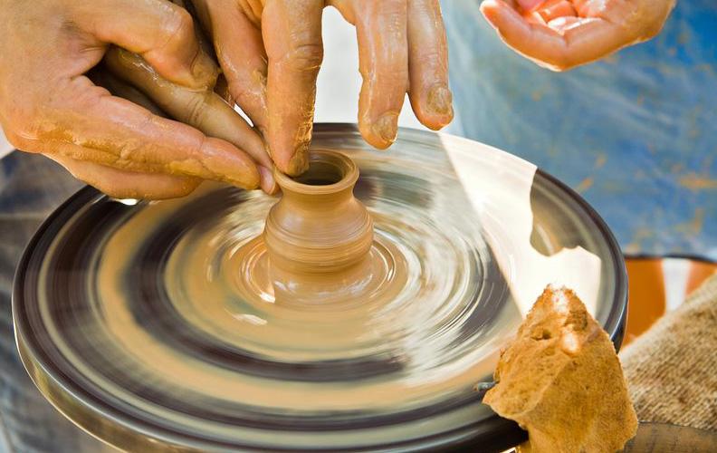 Pottery_shutterstock_58365478_result