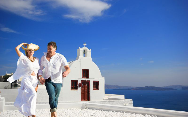 wedding-in-Greece_shutterstock_142790518_result